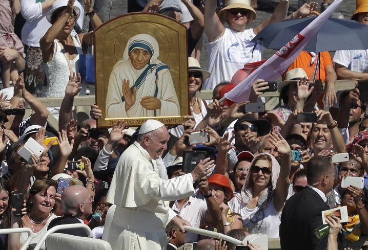 圖/達志影像美聯社 教宗冊封聖人之列 德蕾莎2項神蹟封聖