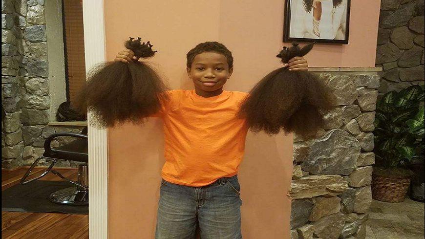 8歲男童蓄髮2年 只為剪下捐給「化療童」