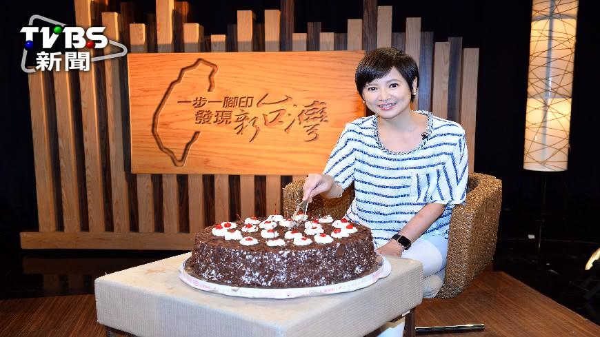 圖/TVBS 《一步一腳印》500集慶生 詹怡宜被稱「人瑞」