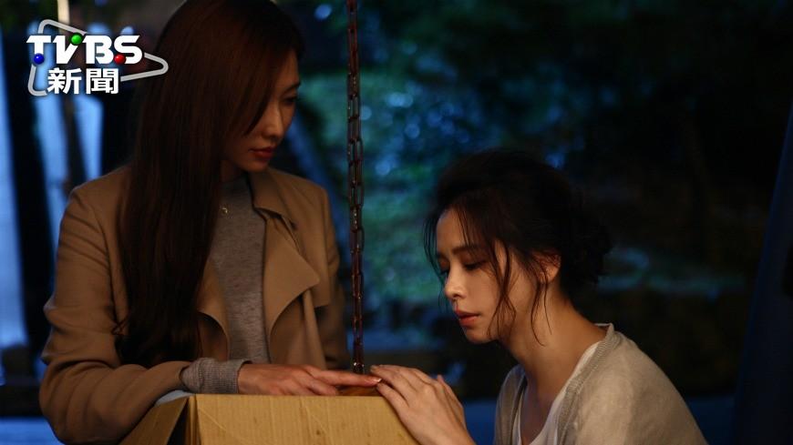 圖/中央社 只有五月天能超越五月天! MV讓兩大女神合體飆戲