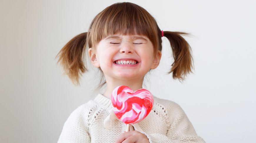 2015年時,美國時代雜誌(TIME)提到Sugar is definitely toxic, a new study says!(新研究指出,糖絕對是毒!)為什麼這麼說呢?專家來解答! 【糖上癮】吃糖如吸毒! 孩子變矮又變笨