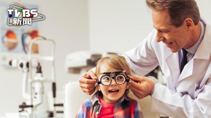 示意圖/TVBS 小孩子不能戴眼鏡? 眼科醫生:迷思!