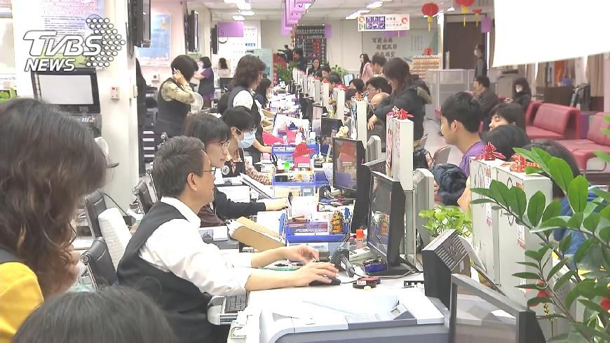 圖/TVBS 女性受到職場性騷擾 調查:54.7%當開玩笑