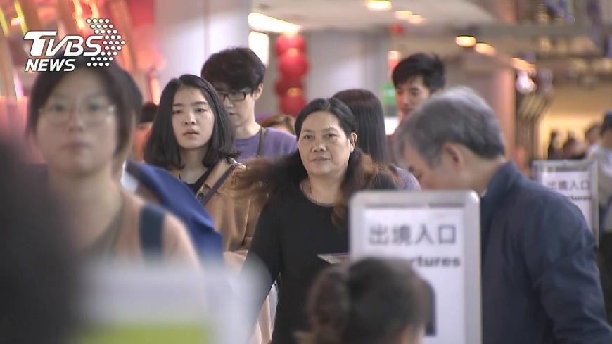 圖/TVBS資料畫面 飛美航班加強安檢 登機前進行安全面談