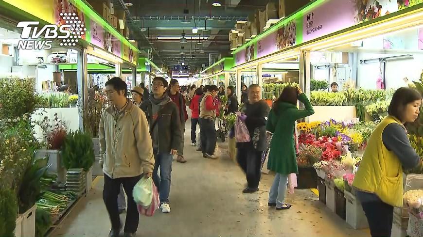 台北花市人潮旺 春節用花卉價格平穩