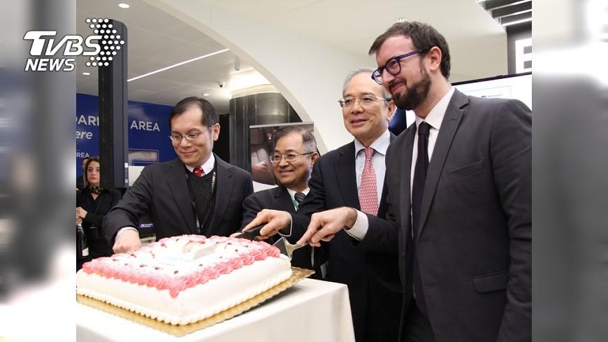 圖/中央社 華航直飛羅馬 啟用A350新機