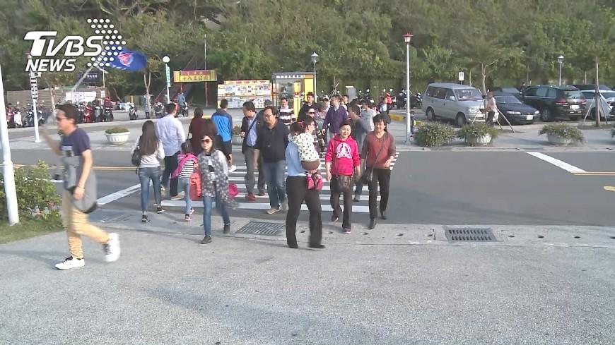 圖/TVBS 沒陸客沒收入 導遊和總統同場心裡苦