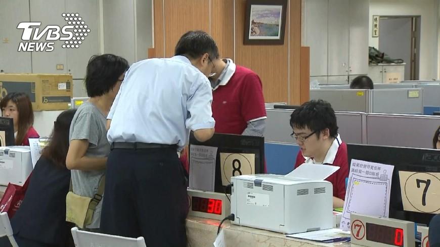 圖/TVBS 「能撈就撈」激化對立? 「公僕標籤」恐更牢