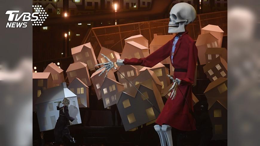 圖/達志影像路透社 川普骷髏來伴舞 凱蒂佩芮這演出太政治