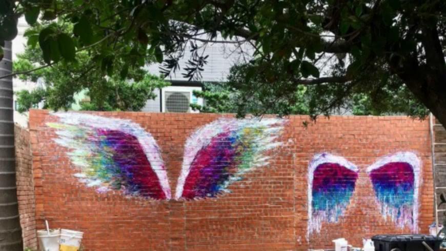 Colette Miller的IG上,可以搶先看到台中「天使翅膀」的模樣,2對高度、大小都不同的翅膀,相當適合親子、情侶、朋友一起合照,預計又將掀起一波打卡熱點。 最夯打卡點來了!LA知名「天使翅膀」 台北、台中都有