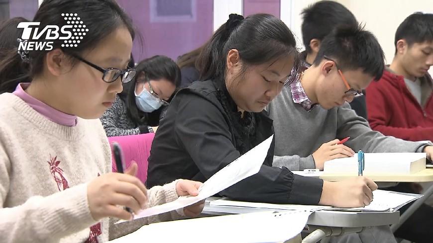 圖/TVBS 憂考招新制次次考試得計較 教團籲煞車