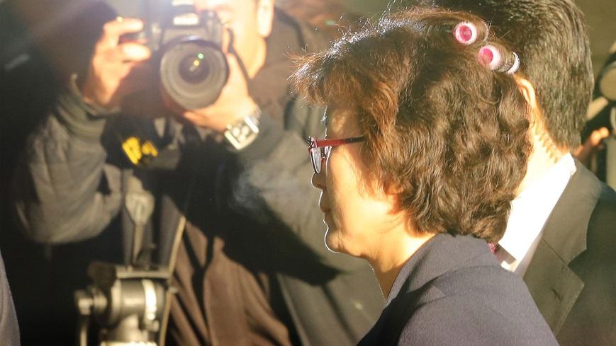 圖/《YTN》 糗了!宣判彈劾朴槿惠太緊張 法官出門忘記拆髮捲