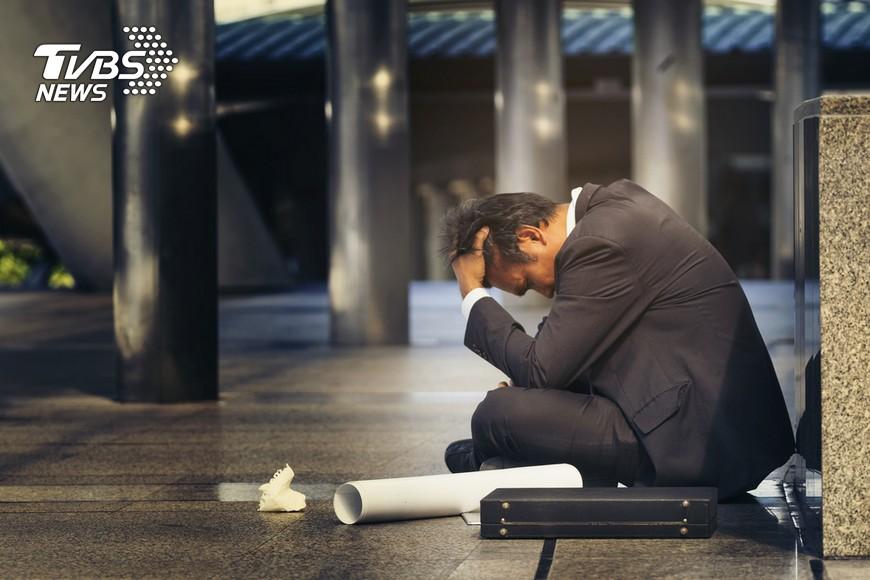示意圖/TVBS 快訊/20-24歲失業率達12% 比「金融海嘯」期高