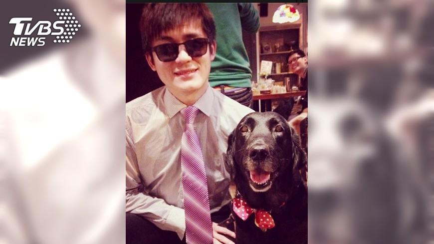 圖/中央社 人有一例一休 導盲犬隨時補眠老了退休