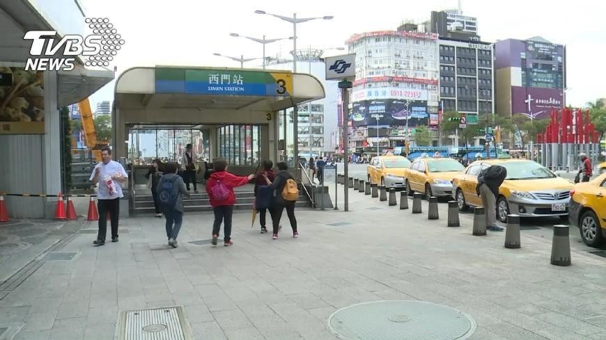 圖/TVBS資料畫面 警察搭捷運「DIY」亂射 辯稱身體不好較敏感