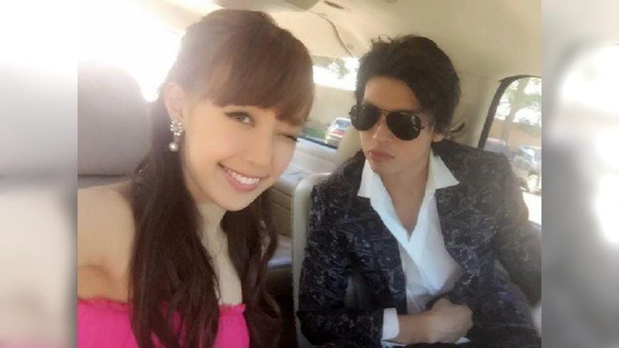川崎希與老公Alexander2013年閃婚後老公就不斷爆出偷吃。(圖/取自部落格) 混血老公車震女粉絲 前AKB女星爆氣嚴刑拷問