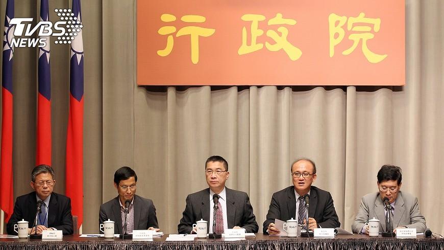 圖/中央社 勞保年改 費率111年將調升至12%