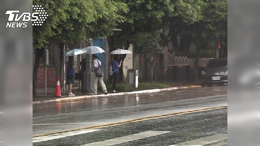 圖/TVBS 當心打雷強降雨 6縣市發布大雷雨即時訊息