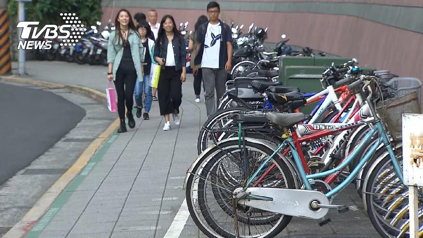 圖/TVBS 推共享車位 柯文哲批學校規定多