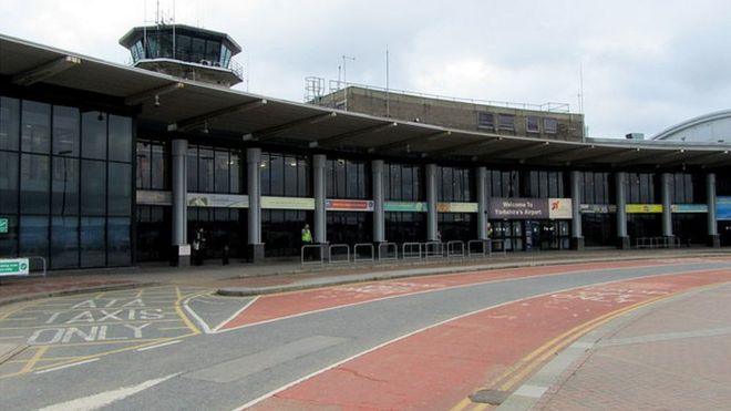 快訊/英里茲機場可疑包裹 乘客疏散航廈封閉