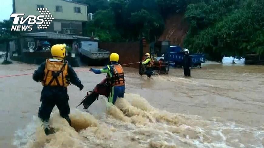 圖/TVBS 豪雨水淹災情慘!北北基受災戶「減稅」看這裡