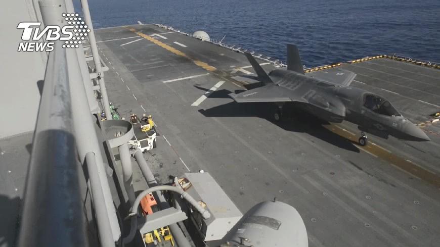 圖/TVBS資料畫面 陸轟六K經巴士海峽 與F16對峙十分鐘