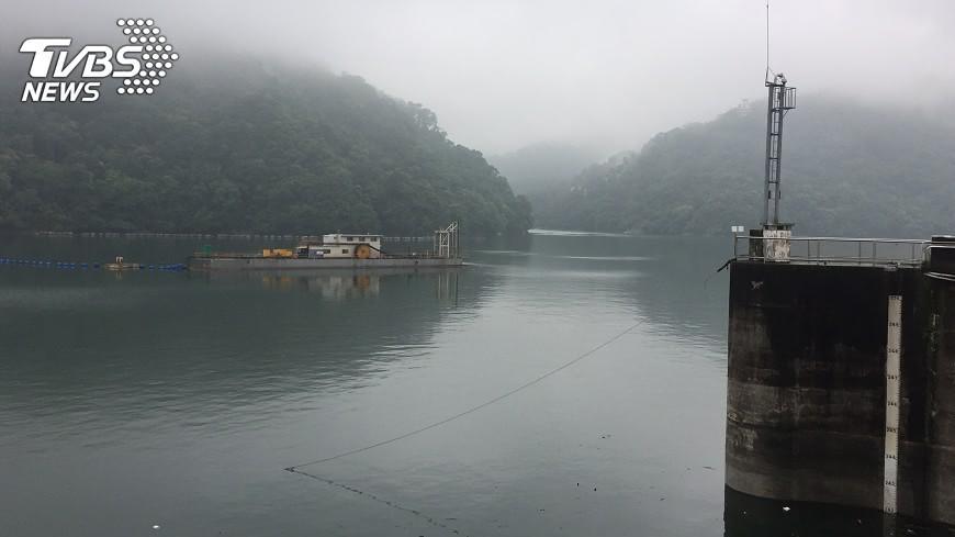 石門水庫榮華壩。(圖/TVBS資料畫面) 台灣三峽也有水庫炸彈 專家:強颱襲「台北恐淹一大半」