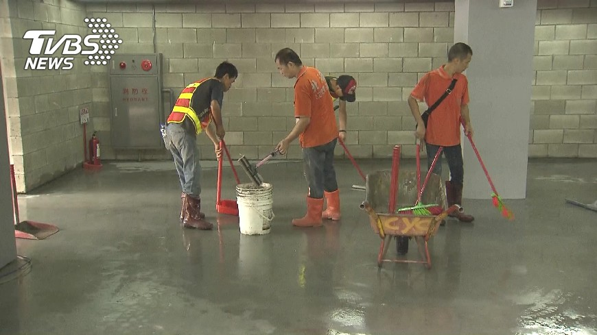 圖/TVBS 測試賽還在清淤! 世大運網球場遭批施工慢