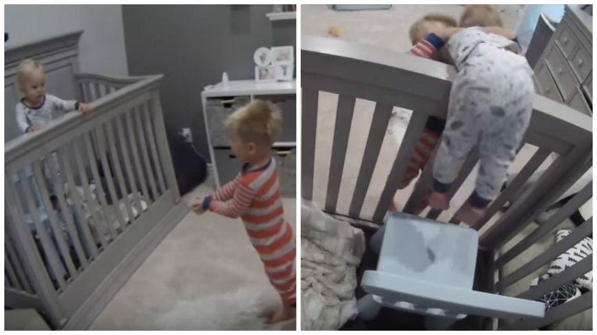 圖/擷取自影片,下同。 你做到了!3歲娃助弟弟「越獄」 超有愛互動融化了