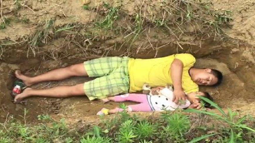 圖/擷取自梨視頻 沒錢再救女兒 貧父親手挖墳「讓她提早適應死亡」