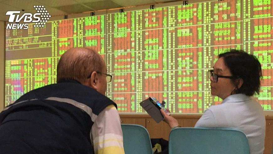 圖/中央社 三大法人買超台股121.24億元