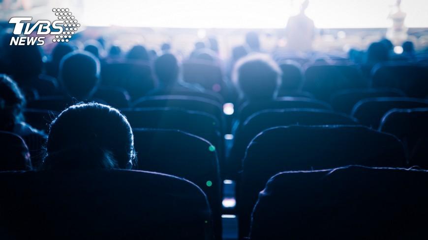 圖/shutterstock 大陸就地過年推高電影票房 春節破55億人民幣將超越2019年