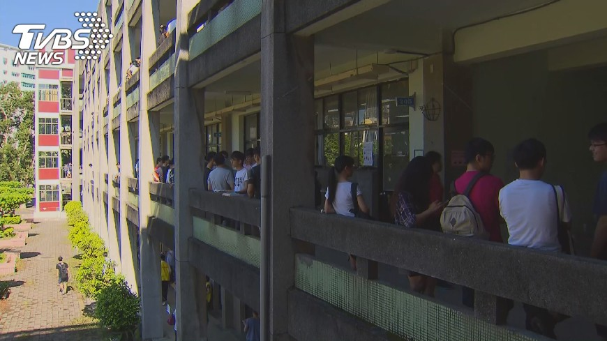 圖/TVBS 多元入學說明會  申請入學免學測受關切