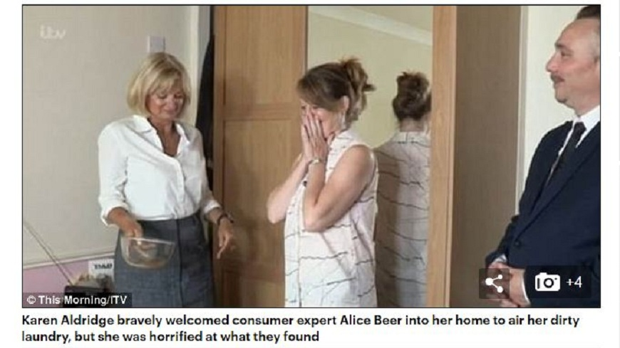 英國一名婦人自稱每3週換一次床單,但專家用強力吸塵器,竟然吸出了半碗的汙水。(圖/翻攝自每日郵報) 超噁!3週換一次床單 床褥吸出半碗「汙水」