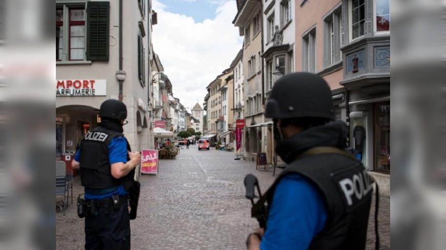 瑞士電鋸怪客隨機砍路人 目前仍在逃