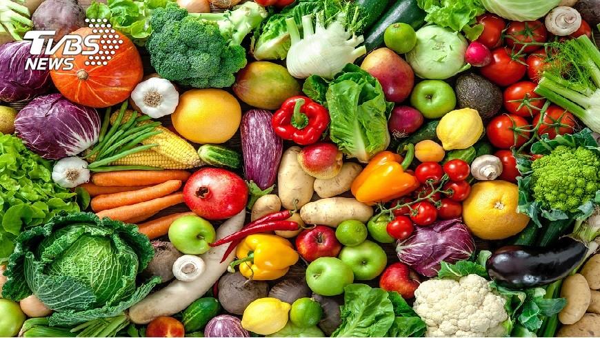 颱風季節來臨,如何儲備糧食是非常重要的課題。(示意圖/TVBS) 颱風搶儲糧 這些事情你一定要知道!