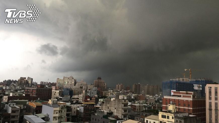 圖/中央社 休息日上班遇颱風 須按休息日給工資