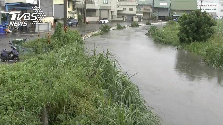 圖/TVBS 颱風水患後防傳染病 注意環境清潔消毒