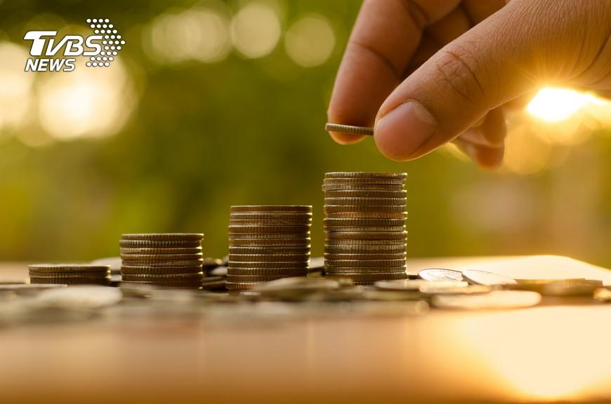 示意圖/shutterstock 黃金行情走俏 投資人該入手了嗎?