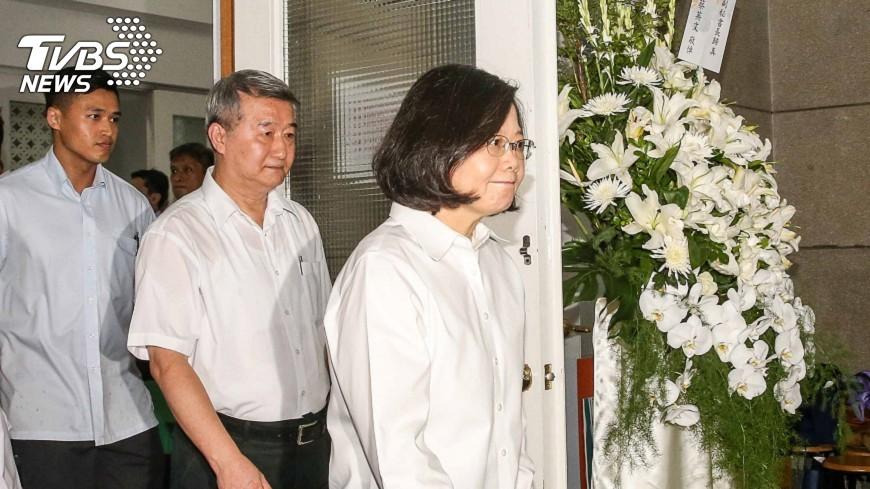 圖/中央社 悼劉文雄 蔡總統赴清真寺致哀