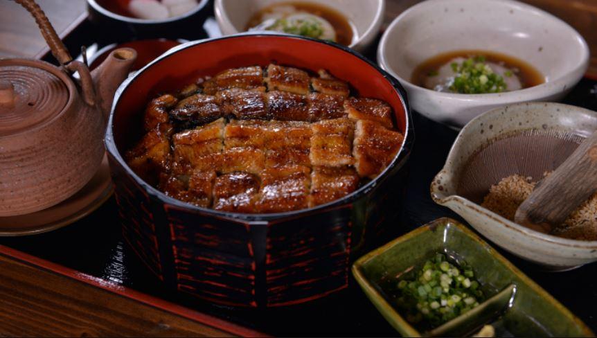 鰻魚桶飯三吃。大江戶町鰻屋/提供