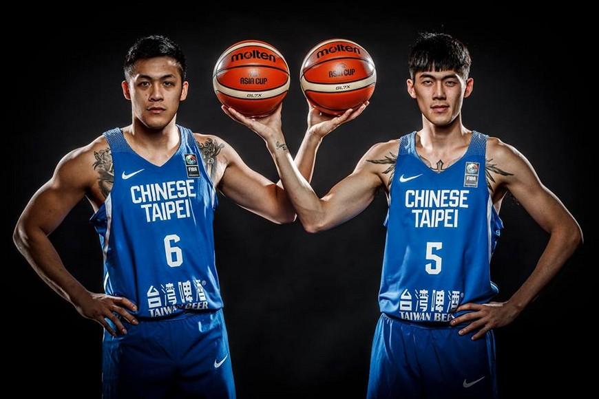 周儀翔(左)跟劉錚(右)雙箭頭將是中華隊晉級關鍵。圖/翻攝自FIBA臉書 亞洲盃首戰香港是關鍵 FIBA:中華難贏超過1勝