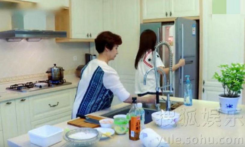 (圖/翻攝自搜狐娛樂) 趙薇豪宅內景曝光!網友:廚房比我家客廳大十倍