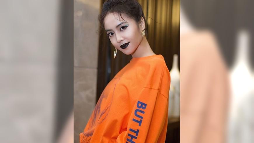 (圖/翻攝自蔡依林IG) 呸姊魅惑黑唇霸氣登台 粉絲狂讚「中毒系妖姬」美爆