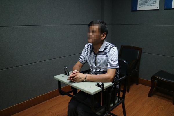 圖/翻攝自《澎湃新聞》 22年滅門血案偵破 兇嫌「漂白」成得獎名作家