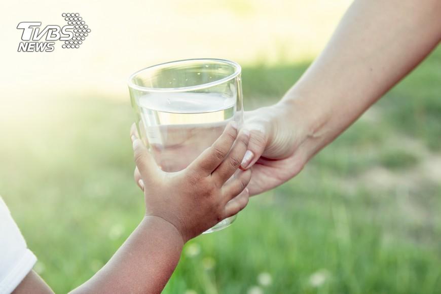 示意圖/TVBS 結石復發率高 多喝水少吃鹹保健康