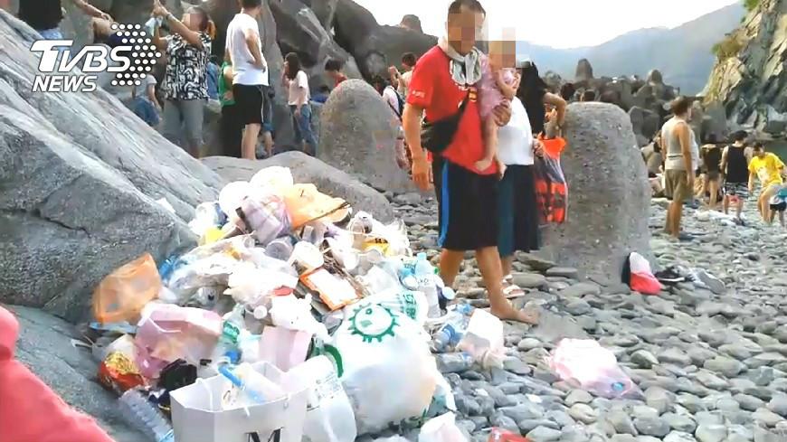圖/TVBS 被遊客玩爛!秘境變垃圾山 粉鳥林即起封閉