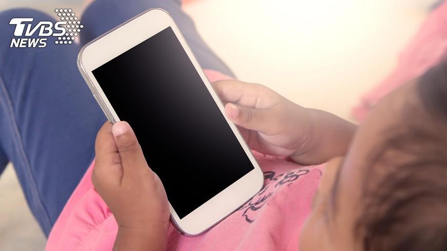示意圖/TVBS 手機不能上網感不安 2成1國小生用吃到飽