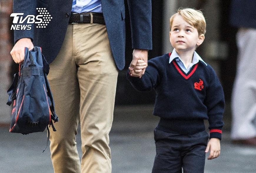 圖/達志影像路透社 英國喬治王子上學去! 凱特因孕吐缺席