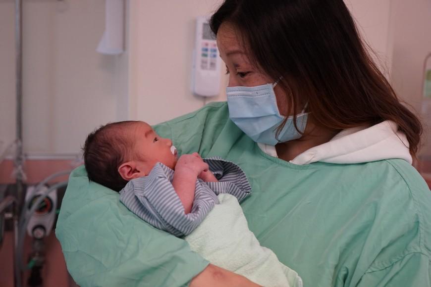 圖/馬偕醫院提供 孕婦遇車禍命危 馬偕急剖腹「媽媽小孩一起救」